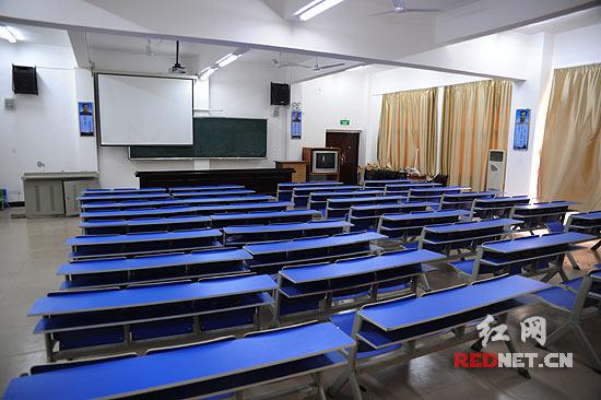 教室投影仪接线图